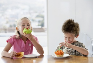 Чем кормить ребенка?